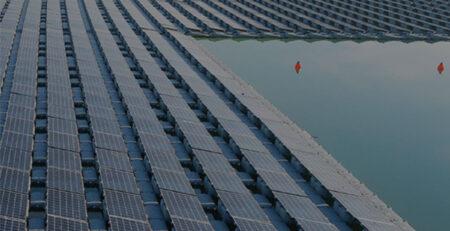 Plantas solares flotantes